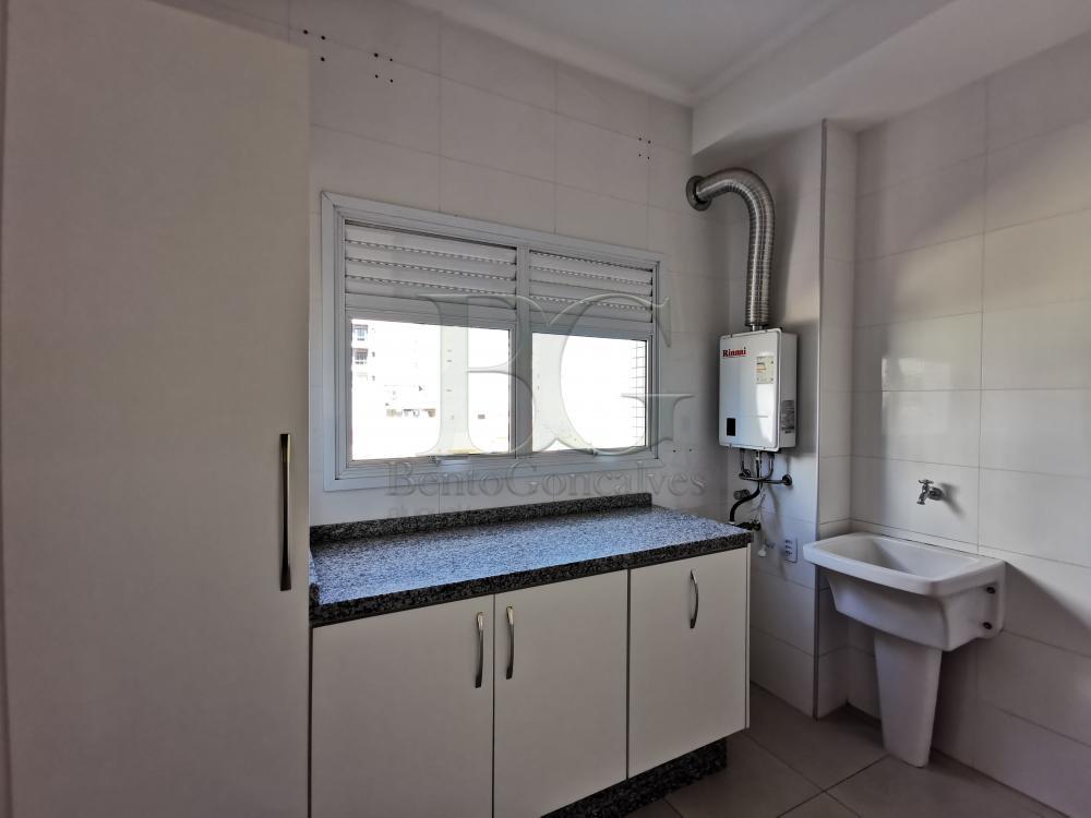 Alugar Apartamentos / Padrão em Poços de Caldas R$ 1.800,00 - Foto 16
