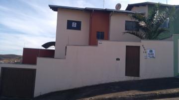 Alugar Casas / Padrão em Poços de Caldas. apenas R$ 1.000,00