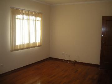 Alugar Apartamentos / Padrão em Poços de Caldas R$ 1.000,00 - Foto 2