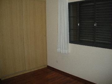 Alugar Apartamentos / Padrão em Poços de Caldas R$ 1.000,00 - Foto 5