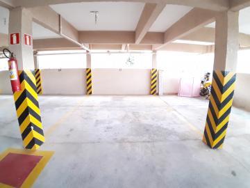 Alugar Apartamentos / Padrão em Poços de Caldas R$ 750,00 - Foto 10