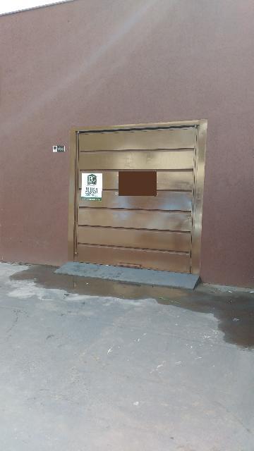 Alugar Comercial / Padrão em Poços de Caldas. apenas R$ 2.500,00