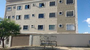 Alugar Apartamentos / Padrão em Poços de Caldas. apenas R$ 630,00