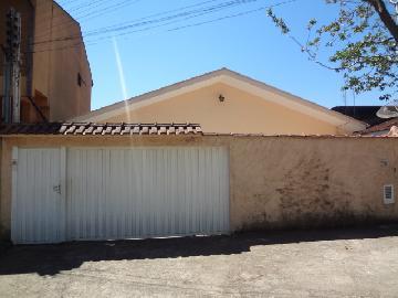 Alugar Casas / Padrão em Poços de Caldas. apenas R$ 1.200,00