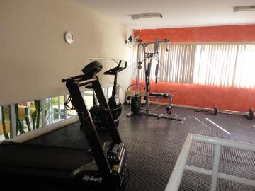 Alugar Apartamentos / Padrão em Poços de Caldas R$ 1.050,00 - Foto 15