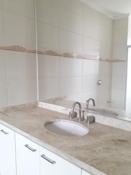 Alugar Apartamentos / Padrão em Poços de Caldas R$ 2.200,00 - Foto 7