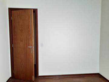 Alugar Apartamentos / Padrão em Poços de Caldas R$ 2.200,00 - Foto 11