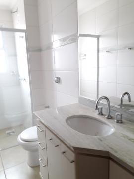 Alugar Apartamentos / Padrão em Poços de Caldas R$ 2.200,00 - Foto 12