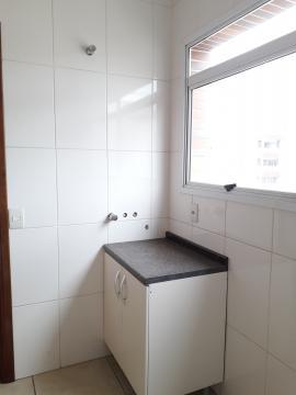 Alugar Apartamentos / Padrão em Poços de Caldas R$ 2.200,00 - Foto 17