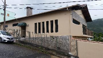 Alugar Casas / Padrão em Poços de Caldas. apenas R$ 800.000,00