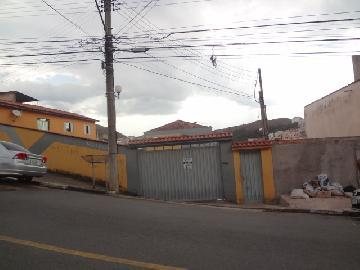 Alugar Apartamentos / Padrão em Poços de Caldas. apenas R$ 650,00