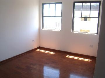 Alugar Apartamentos / Padrão em Poços de Caldas R$ 850,00 - Foto 4
