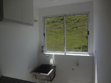 Alugar Apartamentos / Padrão em Poços de Caldas R$ 600,00 - Foto 4