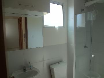 Alugar Apartamentos / Padrão em Poços de Caldas R$ 600,00 - Foto 5