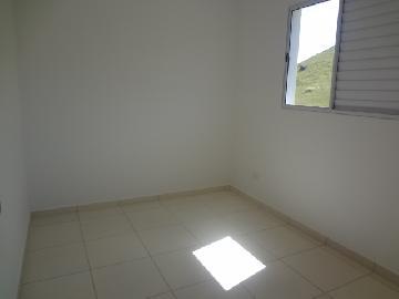 Alugar Apartamentos / Padrão em Poços de Caldas R$ 600,00 - Foto 6