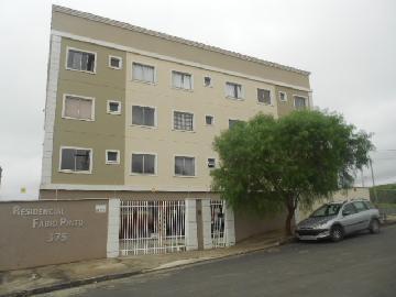 Alugar Apartamentos / Padrão em Poços de Caldas. apenas R$ 800,00