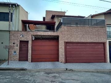 Alugar Casas / Padrão em Poços de Caldas. apenas R$ 600.000,00