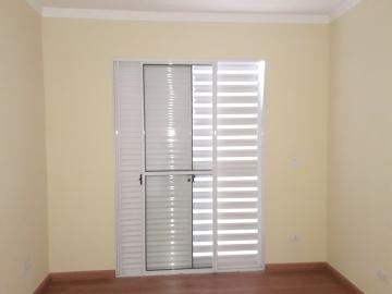 Alugar Apartamentos / Padrão em Poços de Caldas R$ 900,00 - Foto 4
