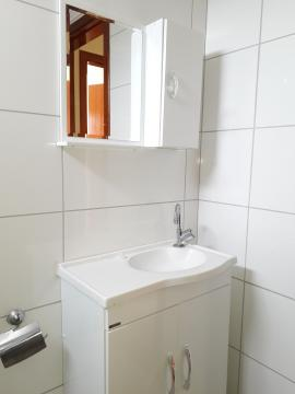 Alugar Apartamentos / Padrão em Poços de Caldas R$ 900,00 - Foto 8