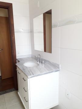 Alugar Apartamentos / Padrão em Poços de Caldas R$ 1.850,00 - Foto 12