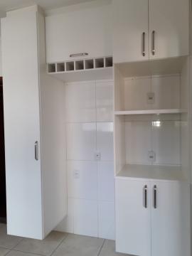Alugar Apartamentos / Padrão em Poços de Caldas R$ 1.850,00 - Foto 14