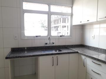 Alugar Apartamentos / Padrão em Poços de Caldas R$ 1.850,00 - Foto 15