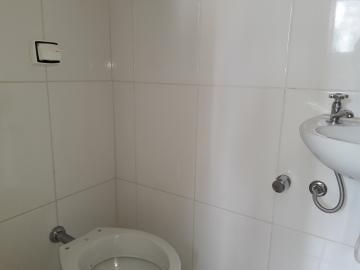 Alugar Apartamentos / Padrão em Poços de Caldas R$ 1.850,00 - Foto 17