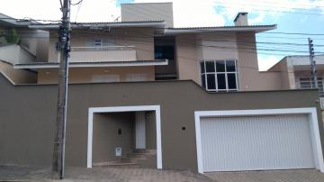 Alugar Casas / Padrão em Poços de Caldas. apenas R$ 4.000,00