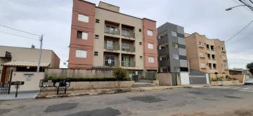 Alugar Apartamentos / Padrão em Poços de Caldas. apenas R$ 900,00