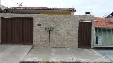 Alugar Casas / Padrão em Poços de Caldas. apenas R$ 500,00