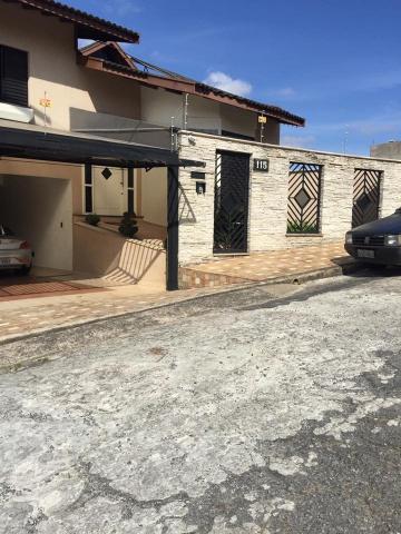 Alugar Casas / Padrão em Poços de Caldas. apenas R$ 1.500.000,00