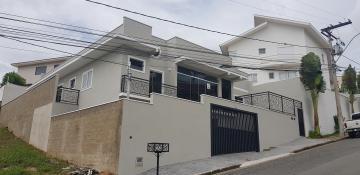 Alugar Casas / Padrão em Poços de Caldas. apenas R$ 890.000,00