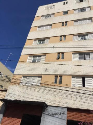 Alugar Apartamentos / Padrão em Poços de Caldas. apenas R$ 178.000,00