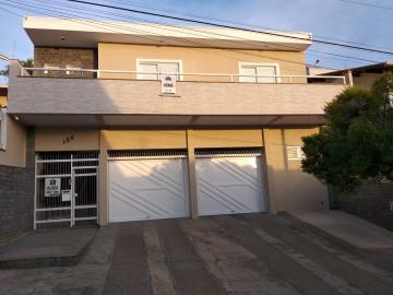 Alugar Casas / Padrão em Poços de Caldas. apenas R$ 2.600,00