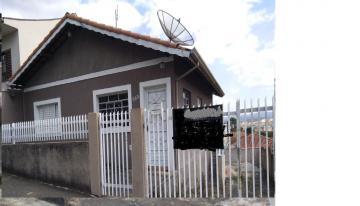 Alugar Casas / Padrão em Poços de Caldas. apenas R$ 180.000,00
