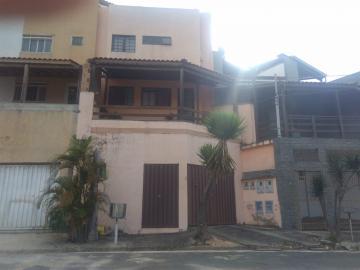 Alugar Casas / Padrão em Poços de Caldas. apenas R$ 420.000,00
