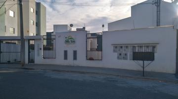 Casas / Casa em condomínio em Poços de Caldas Alugar por R$1.200,00
