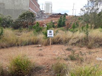 Terrenos / Padrão em Poços de Caldas , Comprar por R$130.000,00