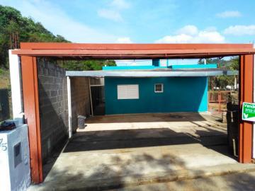 Alugar Casas / Padrão em Caldas. apenas R$ 1.500,00