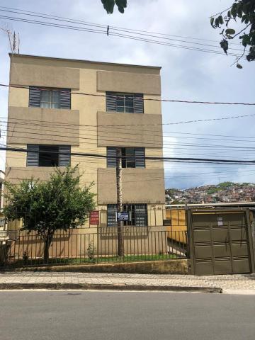 Alugar Apartamentos / Padrão em Poços de Caldas. apenas R$ 672,00