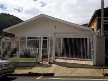 Casas / Padrão em Poços de Caldas Alugar por R$2.800,00