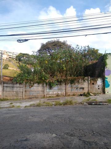 Terrenos / Padrão em Poços de Caldas , Comprar por R$140.000,00