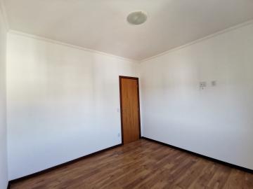 Alugar Apartamentos / Padrão em Poços de Caldas R$ 1.800,00 - Foto 9