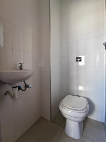 Alugar Apartamentos / Padrão em Poços de Caldas R$ 1.800,00 - Foto 17