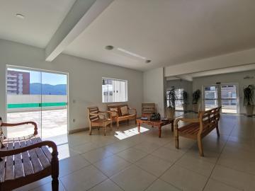 Alugar Apartamentos / Padrão em Poços de Caldas R$ 1.800,00 - Foto 2