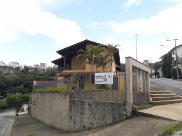 Alugar Casas / Padrão em Poços de Caldas R$ 2.500,00 - Foto 2