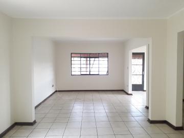 Alugar Casas / Padrão em Poços de Caldas R$ 2.500,00 - Foto 4