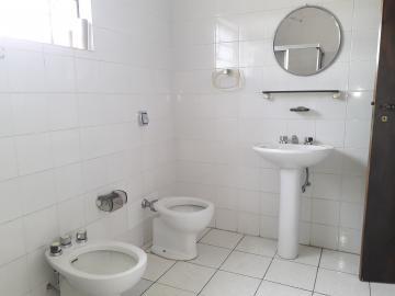 Alugar Casas / Padrão em Poços de Caldas R$ 2.500,00 - Foto 10