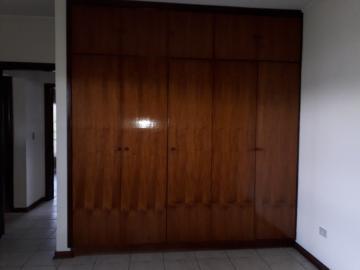 Alugar Casas / Padrão em Poços de Caldas R$ 2.500,00 - Foto 18
