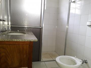 Alugar Casas / Padrão em Poços de Caldas R$ 2.500,00 - Foto 20